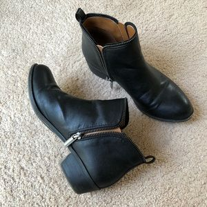 Diba | Black Ankle Boots with Zipper Detailing 7.5
